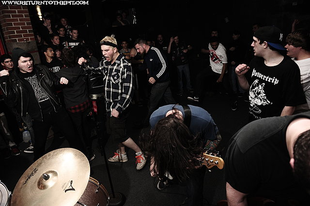 [colony on Apr 7, 2012 at Anchors Up (Haverhill, MA)]
