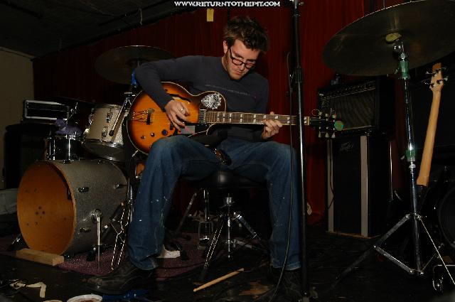 [das ist ein kartoffel on Dec 11, 2003 at AS220 (Providence, RI)]