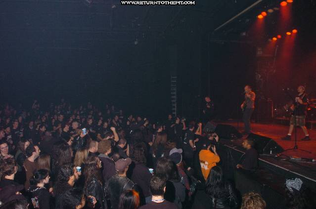 [dbc on Dec 10, 2005 at le Spectrum (Montreal, QC)]