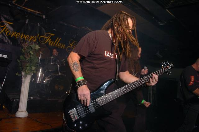 [forevers fallen grace on Nov 19, 2005 at Club 125 - main stage (Bradford, Ma)]
