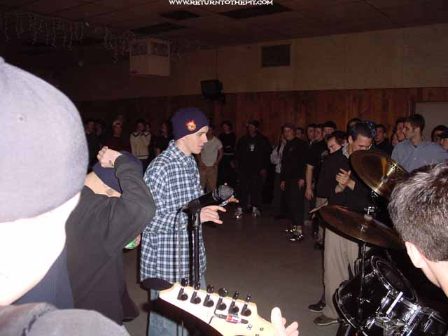 [halo suffocation machine on Feb 10, 2001 at Knights of Columbus (Rochester, NH)]