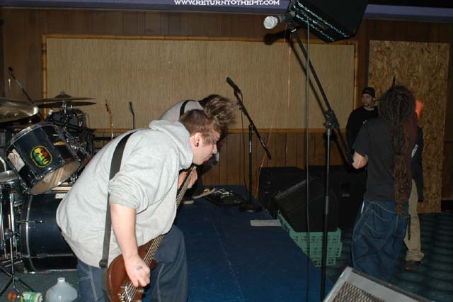[killgrip on Mar 8, 2003 at Trance Buddha (Shrewsbury, Ma)]
