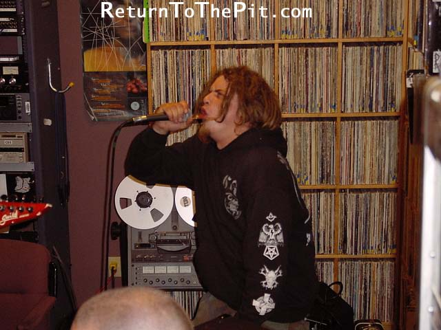 [life at zero on Aug 28, 2001 at Live in the WUNH studios (Durham, NH)]