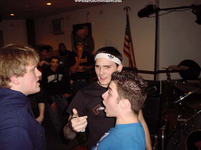 [on broken wings on Jan 4, 2003 at Elks Lodge 53 (Salem, Ma)]