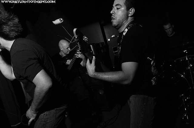 [pillory on Oct 3, 2007 at O'Briens Pub (Allston, MA)]