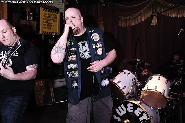 [rampant decay on Apr 24, 2012 at Ralph's (Worcester, MA)]