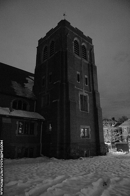 [randomshots on Jan 17, 2008 at ICC Church (Allston, MA)]