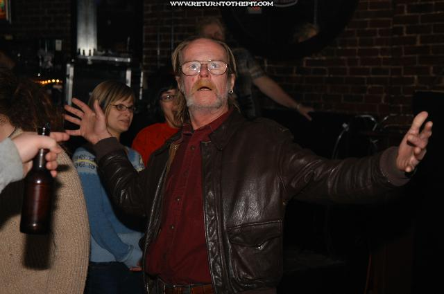 [randomshots on Oct 27, 2004 at Dover Brick House (Dover, NH)]