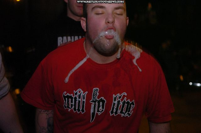 [randomshots on Feb 1, 2006 at the Living Room (Providence, RI)]