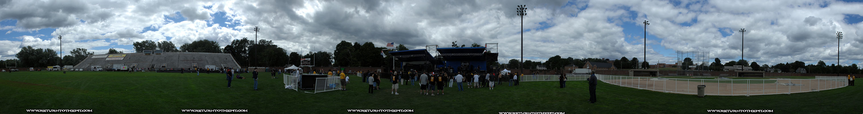 [randomshots on Aug 18, 2007 at Haverhill Stadium (Haverhill, MA)]