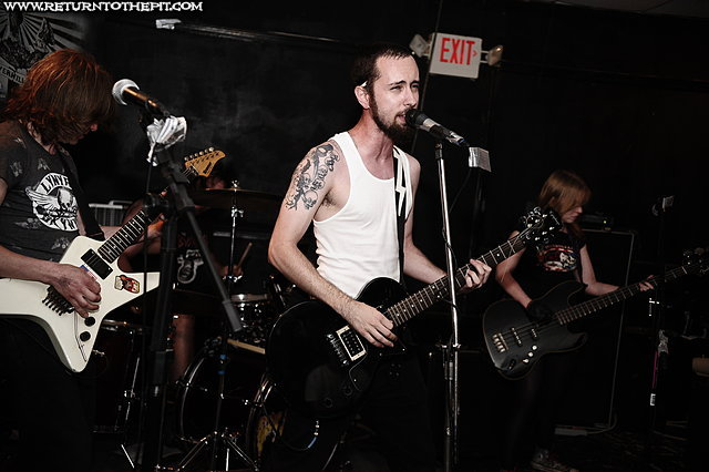 [sexual suicide on Jul 17, 2009 at Anchors Up (Haverhill, MA)]