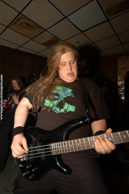 [summer dying on Apr 23, 2004 at the Chopping Block (Boston, Ma)]