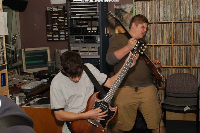 [the auburn system on May 13, 2003 at Live in the WUNH studios (Durham, NH)]