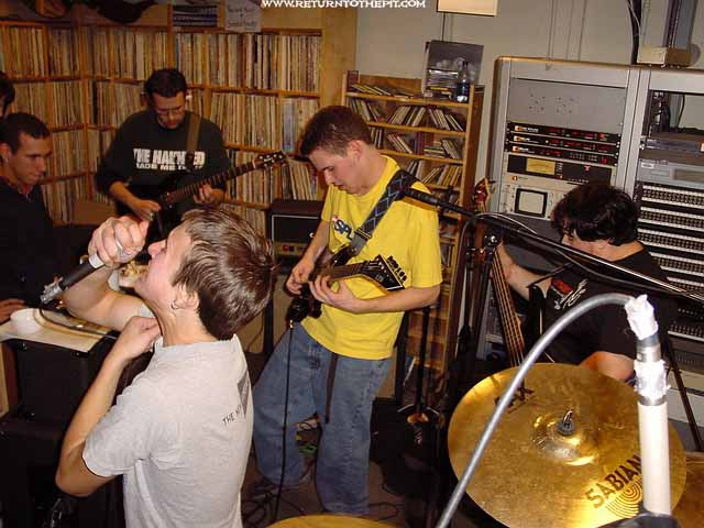 [the failsafe device on Nov 19, 2002 at Live in the WUNH studios (Durham, NH)]