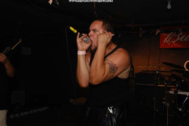 [thyk on Aug 22, 2003 at the Bombshelter (Manchester, NH)]
